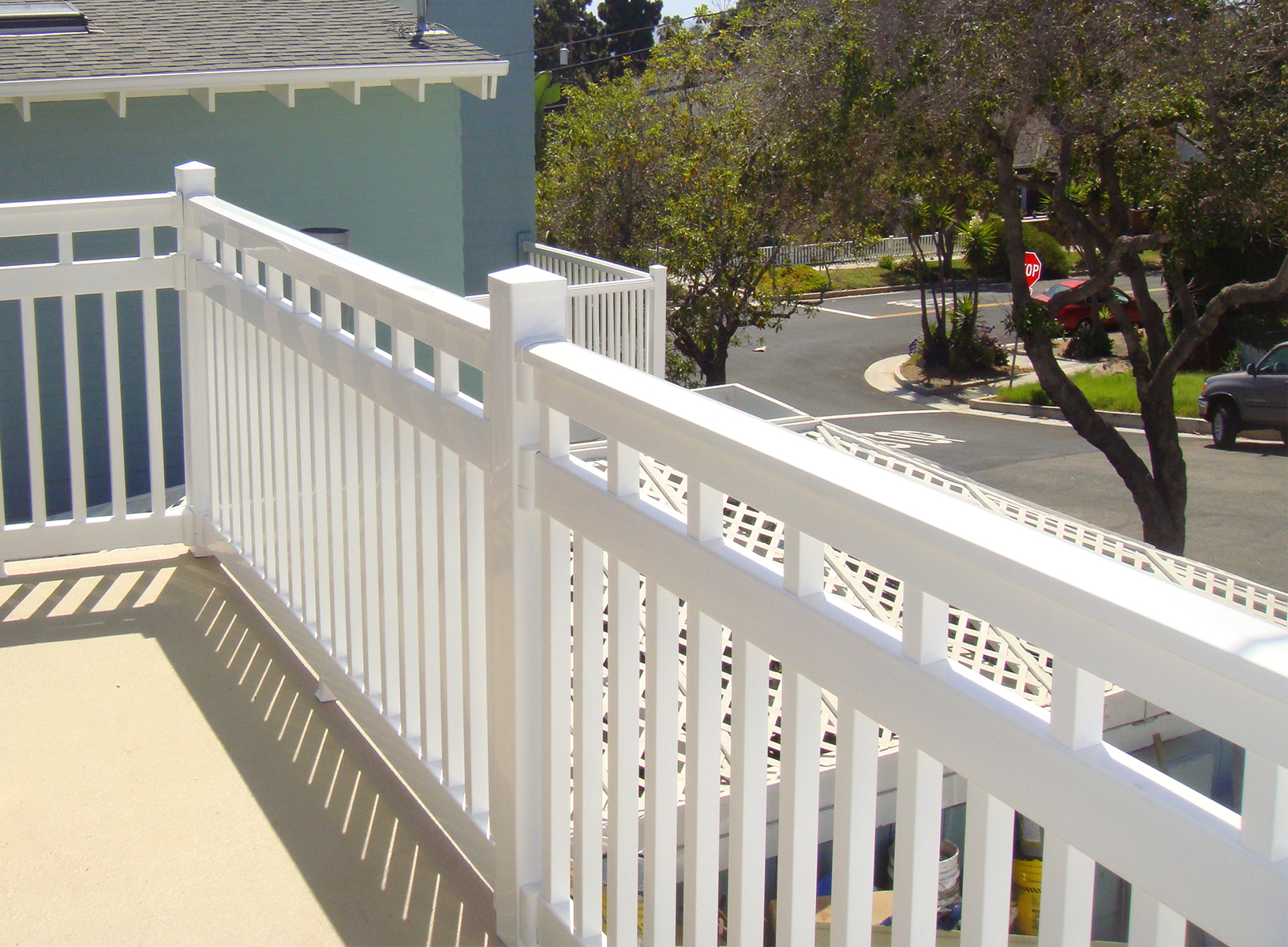 "42"" Vinyl Railing The Cheshire™"