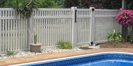 Crestview™ Pool Fence