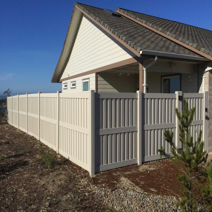 Largo Privacy Fence - 6' High