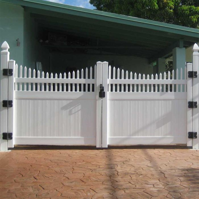 Louisville Privacy Fence - 7' High