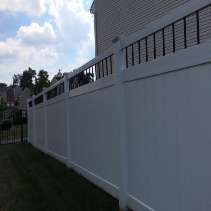 Bradford Privacy Fence - 7' High