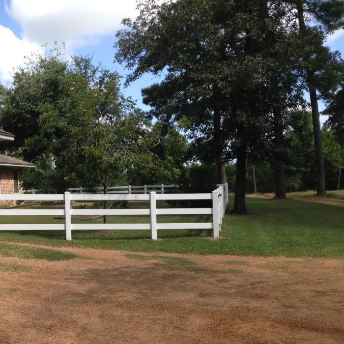 Rail vinyl horse fence for sale