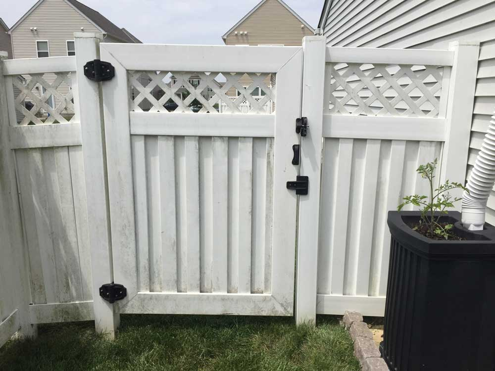 How To Cleaning Vinyl Fencing